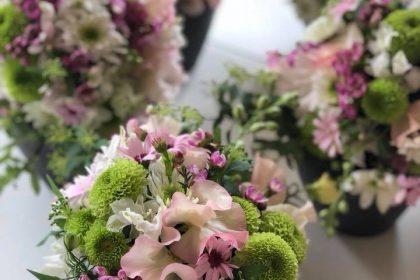 マム 菊 花手毬 フラワーアレンジメント スイートピー 品種 桃の節句 雛祭り ワークショップ レッスン