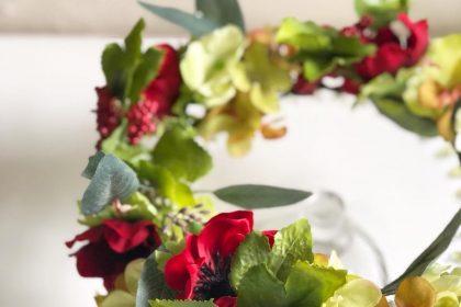 還暦と退職のお祝いに贈るアーティフィシャルフラワーの花かんむり